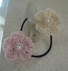 小さいお花のヘアゴム