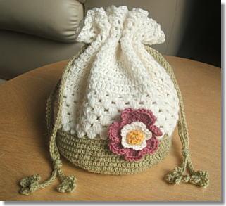 クローバーとお花の巾着