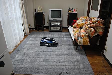 部屋の掃除から一日が始まる