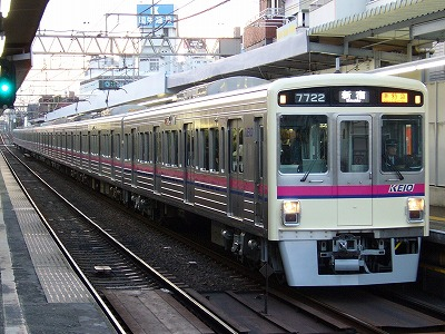 12 7022F 準特急新宿行