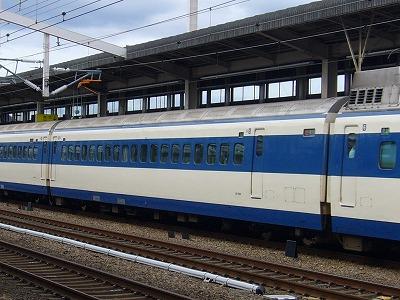 7 5号車 25-7012
