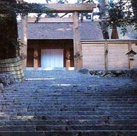temple_ise_b.jpg