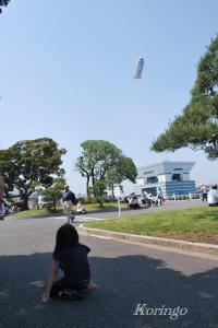 2009年5月9日飛行船を見上げる