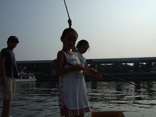 楽しい魚釣りアウト・ドアにもコウバシ茶