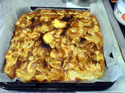 サツマイモとりんごのケーキ1