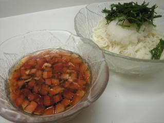 ツナとトマトの素麺つけ汁
