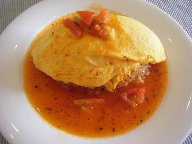 ZEPPETオムライス トマトソース