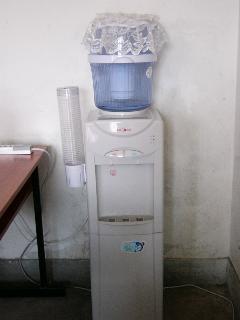 教室内の浄水器
