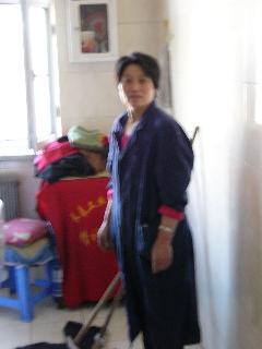 中国人学生寮:用務員のおばさん