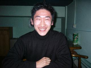 日本に留学に行く石くん