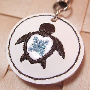 ハワイアンキルト刺繍 携帯ストラップ ウル&ホヌ