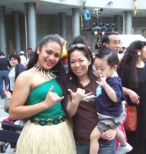 ダンサーとお台場ハワイアンフェスティバルにて