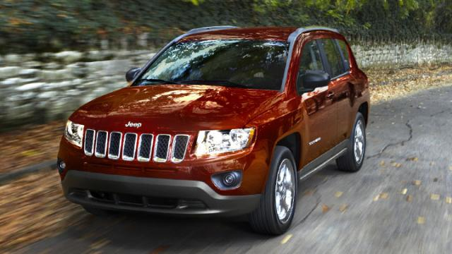 2011-Jeep-Compass-Deep-Cherry-Red-Crystal-Pearl-ext.jpeg