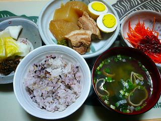 豚バラ肉と大根の煮物