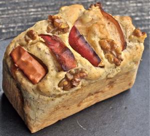 紅りんこ#12441;と胡桃のケーキ2011