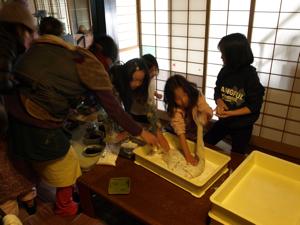 15玄米餅づくり2011-5