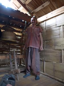 35ホイプロイ・カレン族の衣装