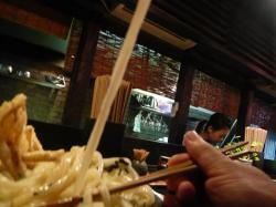 山 麺 3 .