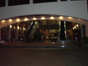TWIN-TOWERS-HOTEL-BANGKOK1.jpg