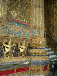 Temple-of-the-Emerald-Buddha13.jpg