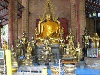 Wat-Yai-Chai-Mongkon12.jpg