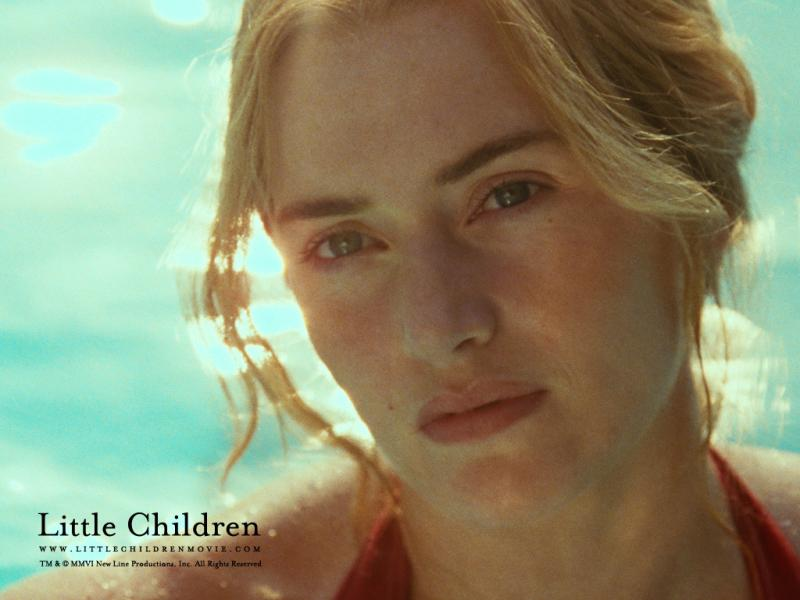 Kate_Winslet_in_Little_Children_Wal_convert_20090412062016.jpg