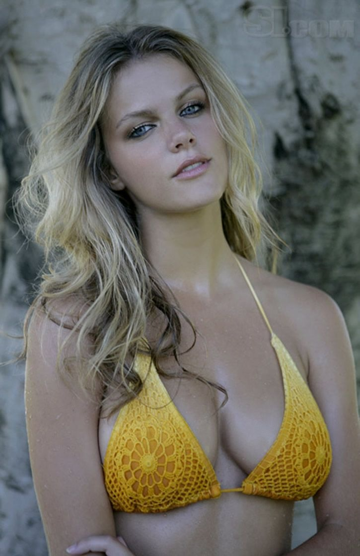 brooklyn-decker-22_20090913081111.jpg