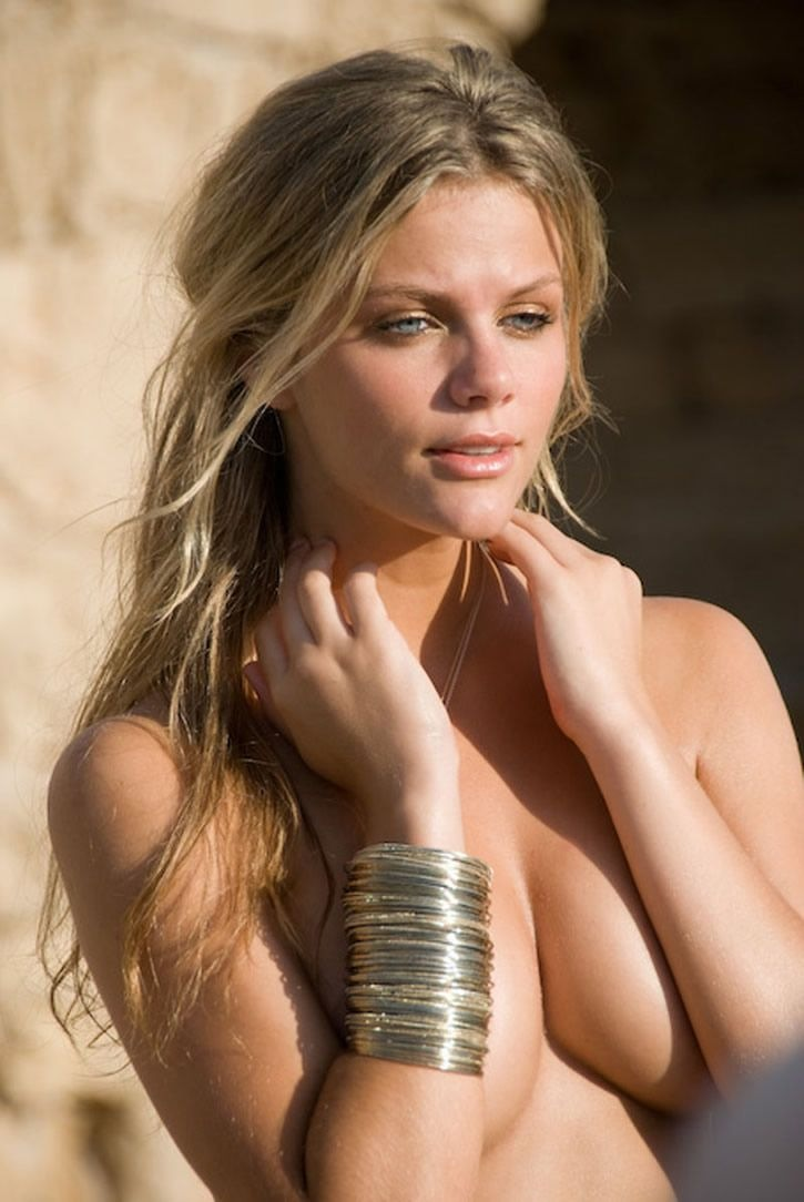 brooklyn-decker-23.jpg