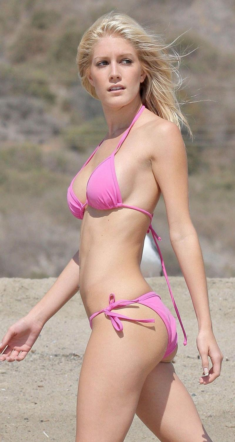 heidi-montag-pink-bikini-video-photos_convert_20090511003859.jpg