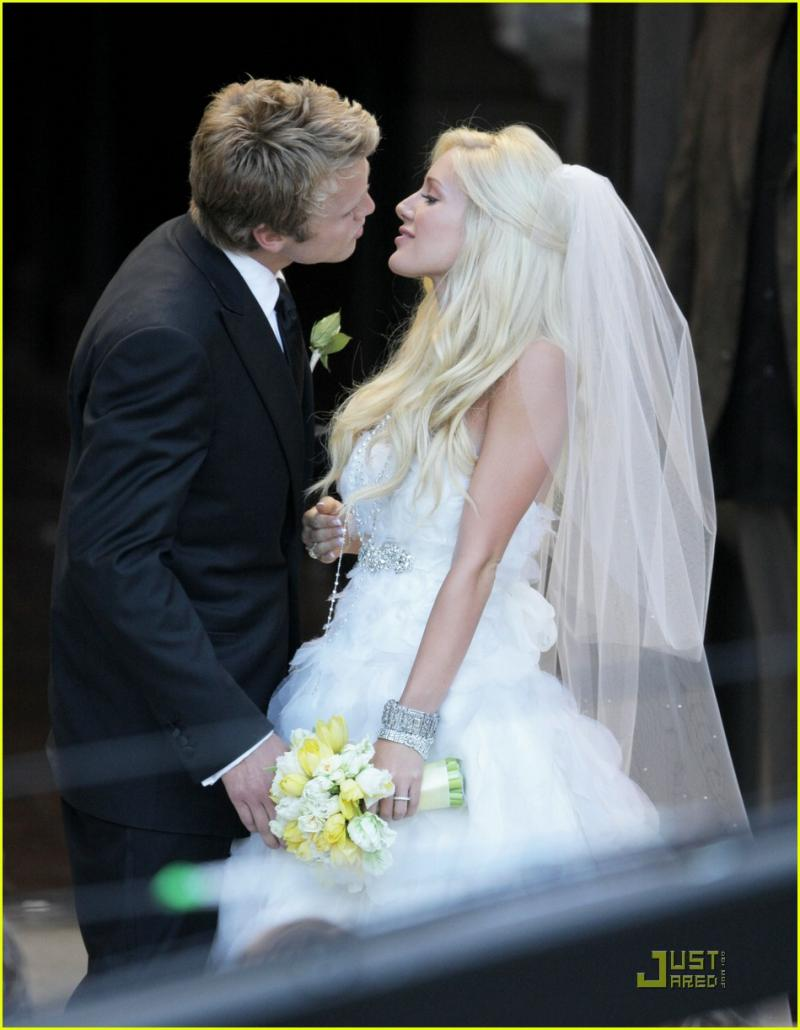 heidi-montag-spencer-pratt-wedding16_convert_20090510233218.jpg