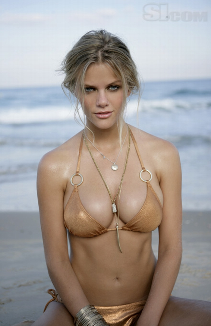 si-swimsuit-issue-brooklyn-decker.jpg