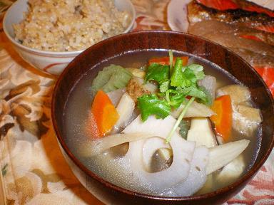 根菜の汁と玄米 焼き鮭