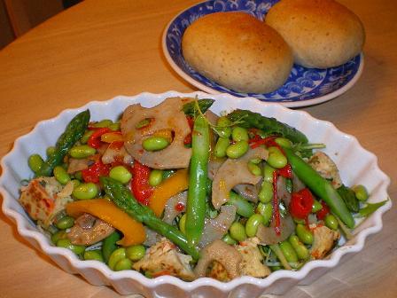 根菜きんぴらとアスパラ 豆 のサラダ