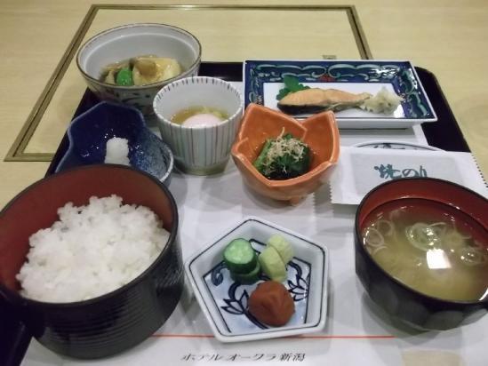 オークラ朝食 (1)