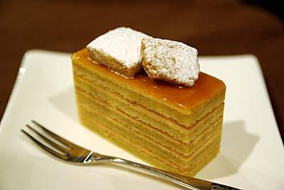 塩キャラメルのケーキ