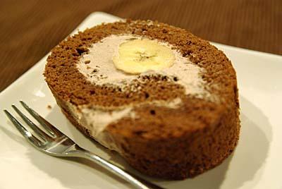 ロールケーキ まるごとバナナ