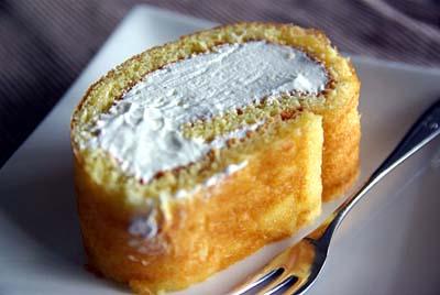 ロールケーキ クリームたっぷり