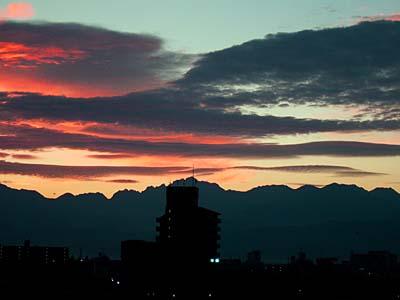朝焼けの富山 剣岳