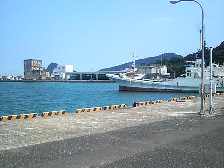 目井津港に停泊している漁船