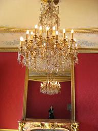 シャンデリアと鏡とワタクシ