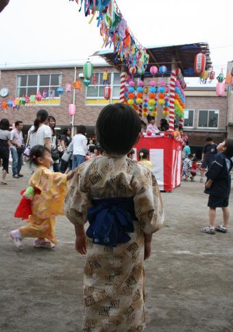 2009-7-12-盆踊り1