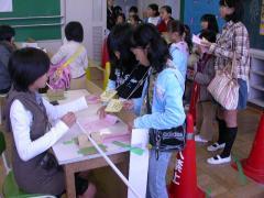 ◆市役所・住民票にハンコ・実葉.JPG