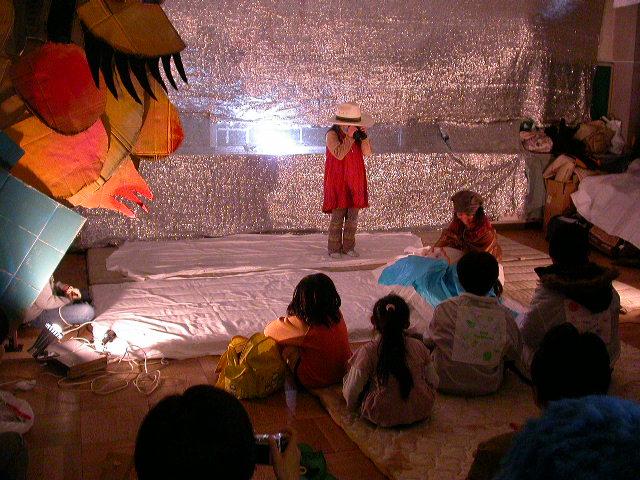 ◆ムサビ・演劇・学童3人.JPG