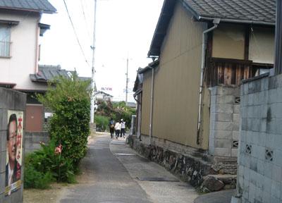 彦江製麺所への道