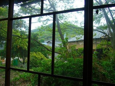 海友荘の窓から