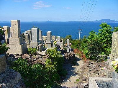 伊吹島のお墓