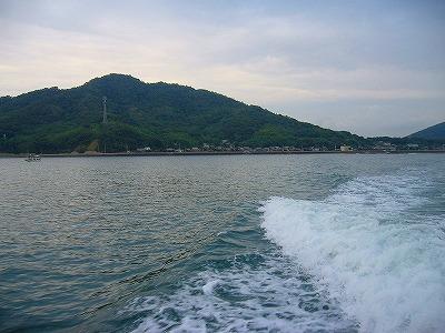 粟島から朝一定期船