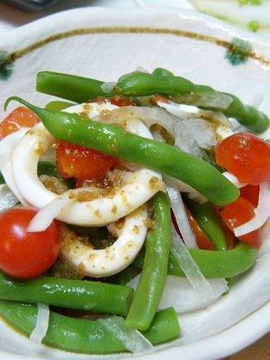 イカとインゲンとトマトのサラダ