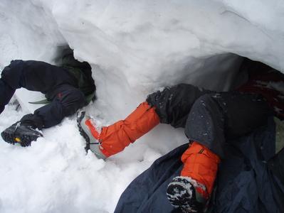 雪洞に泊まろう ~雪洞の堀り方~