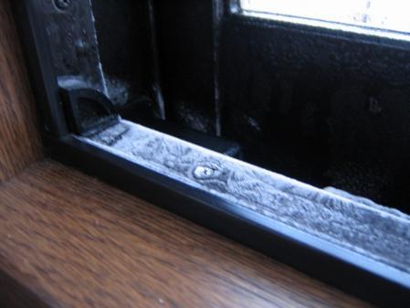 6283凍てつく窓